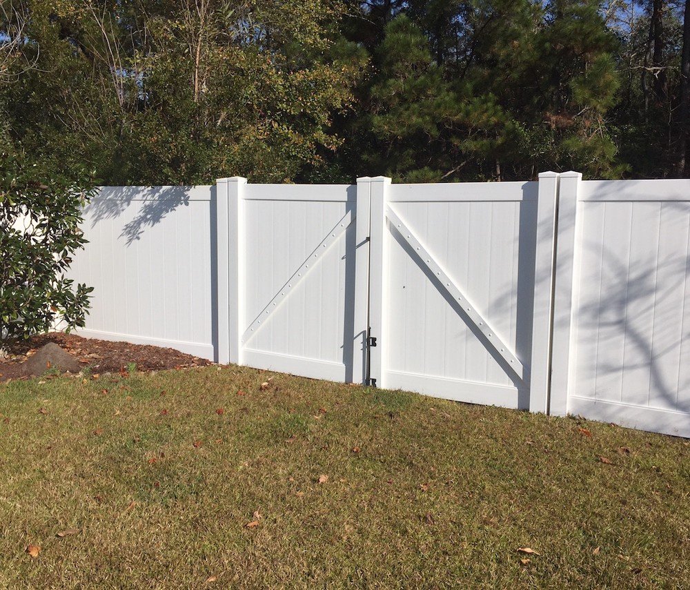 Swimming Pool Fence: What You Need To Know.