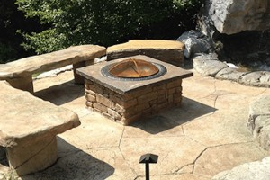 Firepit w/ Benches