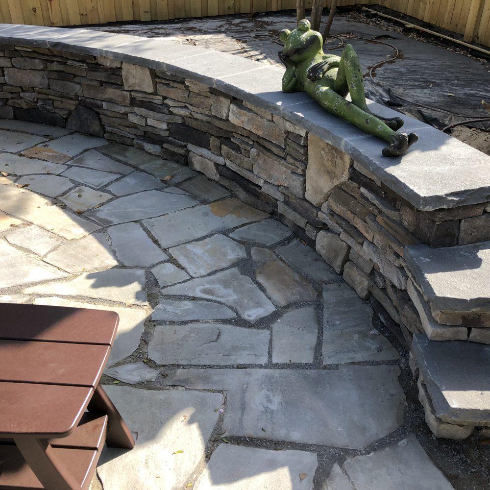 Sitting Wall w/ Tennessee Bluestone Cap