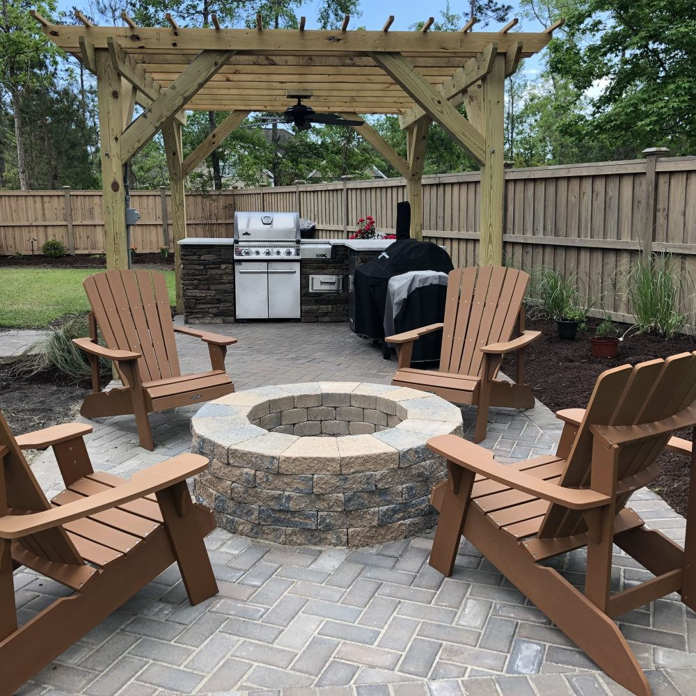 Outdoor Kitchen / Fire Pit / Pergola / Paver Patio ... on Pavers Patio With Fire Pit id=86252
