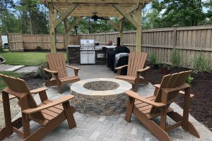 Outdoor Kitchen / Fire Pit / Pergola / Paver Patio